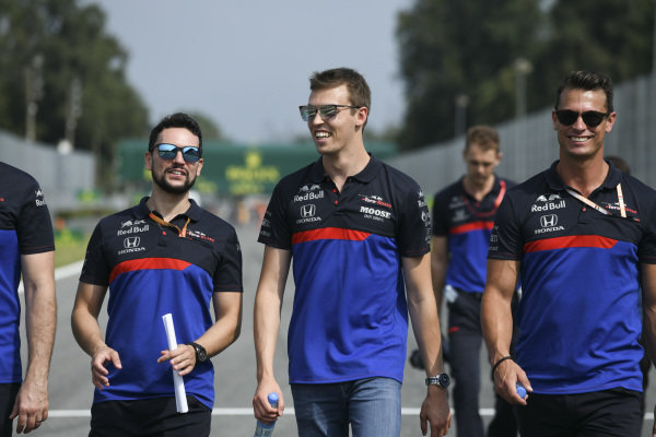 Daniil Kvyat, Toro Rosso walks the track